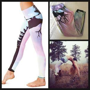 Teeki 🌸 Northern Lights customized leggings